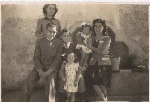 Los hermanos Luis (izquierda), Carlos y María del Carmen Quijano Sánchez